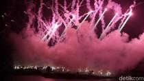 Pesta Kembang Api Sambut Tahun Baru di TMII