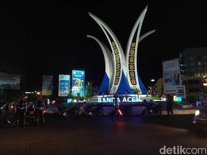 Suasana Banda Aceh pada malam tahun baru 2020. (Agus Setyadi/detikcom)