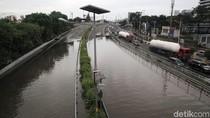 Banjir Putus Tol Dalam Kota KM 14 Grogol