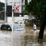 Hilangkan Bau Interior Mobil Bekas Banjir, Berapa Biayanya?