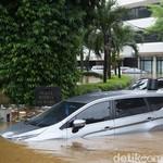 Awas! Cat Mobil yang Terendam Banjir Bisa Belang