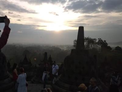 Fakta: Pengunjung Wisata Sunrise di Candi Borobudur Didominasi Bule