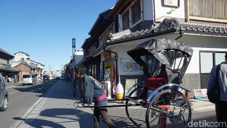 Becak manusia di Kawagoe Old Town, Jepang (Syanti Mustika/detikcom)
