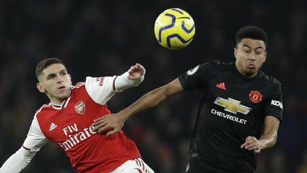 Arsenal Unggul 2-0 atas MU di Babak Pertama