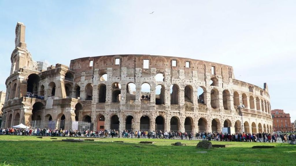 Keliling Kota Roma dengan Sepeda