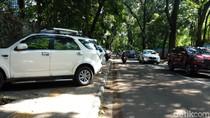 Dewan Nilai Aturan Derek Kendaraan Parkir Liar di Bandung Bukan Solusi
