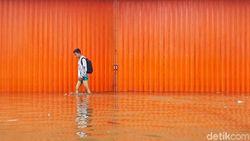 Dukcapil Siap Ganti e-KTP-KK Warga yang Hilang karena Banjir Jabodetabek