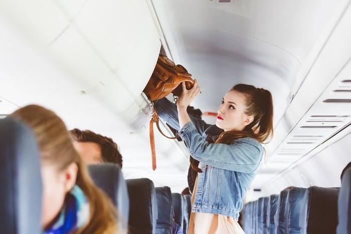 Penumpang Pesawat Seksi