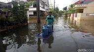 Jeritan Warga Bekasi: Tak Kena Banjir Tapi Mati Listrik Puluhan Jam