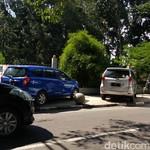Tak Boleh Sembarangan, Ini Tips Parkir Mobil di Rumah