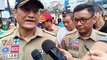 Cek Lokasi Banjir Kampung Pulo Jaktim, Mensos Janji Tambah Tenda Pengungsi