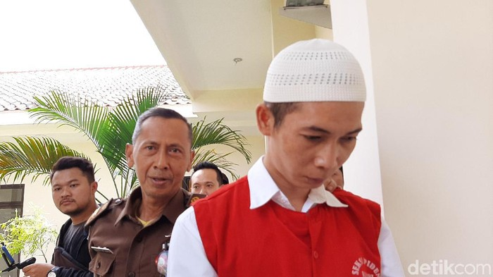 Deni Prianto, pelaku pembunuhan dan mutilasi Komsatun Wachidah, PNS Kemenag Bandung divonis mati di PN Banyumas, Kamis (2/1/2020).