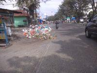 Jorok! Sampah Bertumpuk di Pinggir Jalan Sisingamangaraja Medan