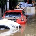 Setelah Terjebak Banjir, Perlukah Mobil Turun Mesin?