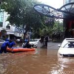 11 Tips Jitu Atasi Mobil Rusak karena Banjir