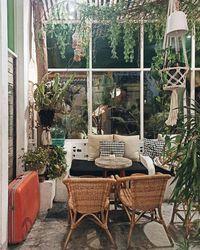 Bisa Ngopi dan Makan Enak di 5 Kafe Hits di Surabaya Ini