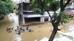 Leptospirosis Muncul Saat Banjir, Ketahui Cara Mengatasinya