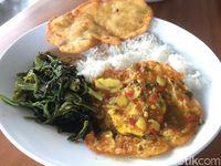 Warung Nako: Makan ala Warteg di Area Kafe Kekinian Penuh Kaca Nako