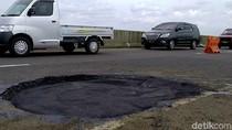 Penampakan Jalan Tol Pemalang-Batang yang Berlubang