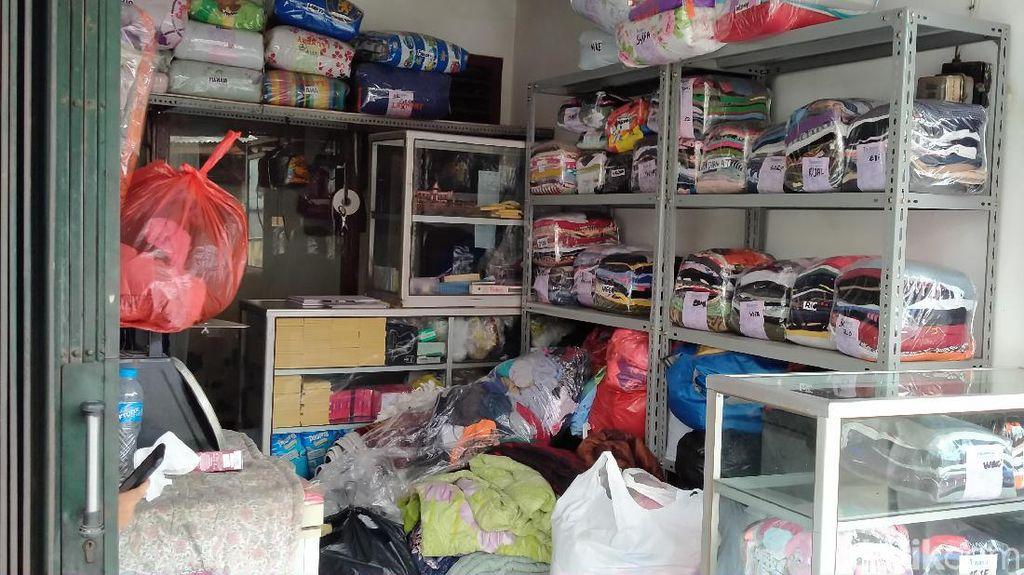Laundry Kebanjiran Order Pasca Banjir, Terbanyak Baju Seragam Sekolah