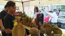 Rest Area Tol Kanci-Pejagan Disulap Jadi Bazar Durian dan Alpukat