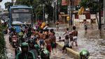 TransJakarta Tetap Beroperasi saat Banjir