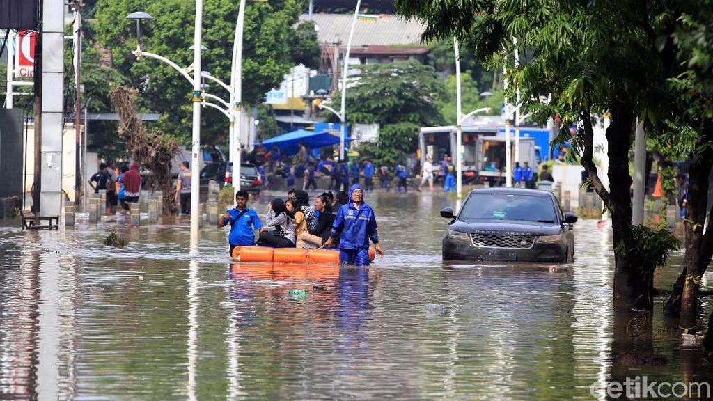 Puan soal Banjir Jabodetabek: Jangan Saling Lempar Tanggung Jawab