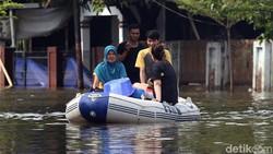 Bisa Mematikan, Hipotermia Ancam Lansia dan Anak-anak Korban Banjir