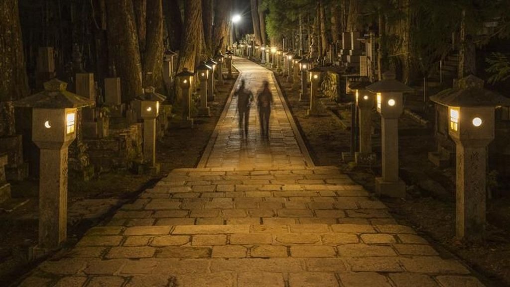 Foto: Melongok Kuburan Tempat Mayat Hidup