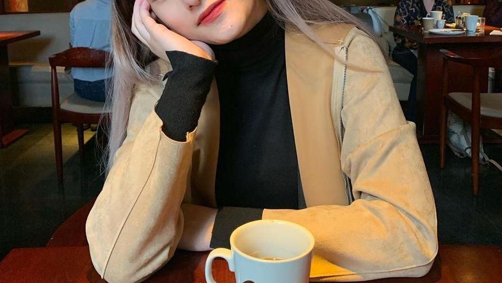 Cantiknya Amanda Caesa, Anak Parto Patrio Saat Kulineran Seru