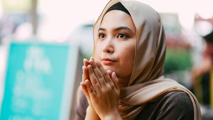 Portrait of a young muslim woman in Malaysia, Kuala Lumpur.