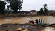 Diterjang Banjir Bandang, 17 Ribu Lebih Warga Lebak Banten Mengungsi
