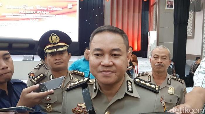 Jabatan Kombes Frans Barung Mangera sebagai Kabid Humas Polda Jatim kini resmi diemban Kombes Trunoyudo Wisnu Andiko. Sebelumnya, Trunoyudo merupakan Kabid Humas Polda Jawa Barat.