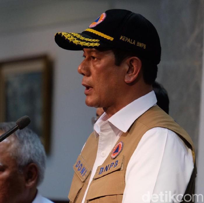 Kepala BNPB Doni Monardo usai ratas soal banjir (Andhika/detikcom)..