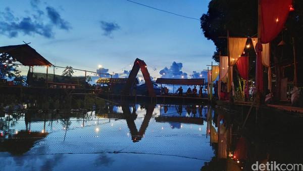 Bagi Anda penikmat senja,agrowisata Bonto Labbu bisa jadi tempatnya. Lokasi tepatnya ada di Desa Jene Taesa, Kecamatan Simbang, Maros, Sulawesi Selatan (Foto: Moehammad Bakrie/detikcom)