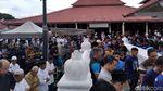 Ribuan Umat Salatkan Jenazah Yunahar Ilyas di Masjid Gedhe Kauman