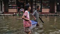 Bakal Ada Cuaca Ekstrem, Ini Jurus Tangkal Banjir Basuki dan Anies