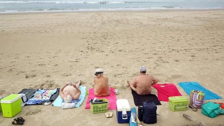 Pantai nudis dunia