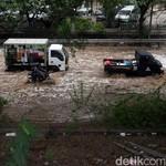 Rawan Banjir, Pastikan Seal-seal Mobil Rapat