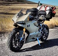 Wow, Ducati Panigale Diajak Main Off Road