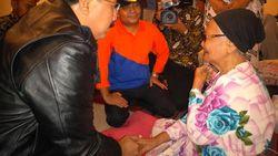 DPR Serahkan Bantuan Korban Banjir, Warga Curhat Minta Diperhatikan