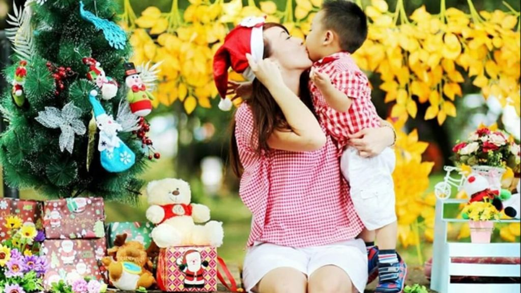 Keceriaan Mama & Anak Sambut Natal