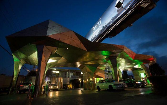 Dijuluki sebagai stasiun masa depan, Helios House di AS memiliki konsep ramah lingkungan, bahkan sumber listriknya pun didapat dari panel surya.