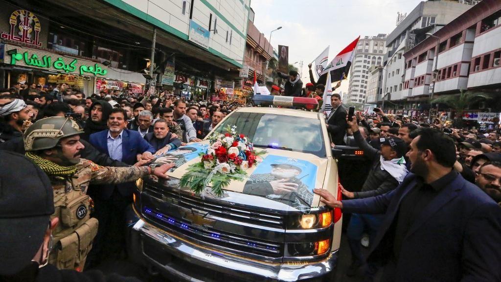 Jenazah Jenderal Iran Diarak, PM Irak dan Ribuan Warga Ikuti Prosesi