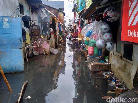 Kondisi pasca-banjir di Rawa Buaya, Cengkareng, Jakarta Barat, pagi ini.