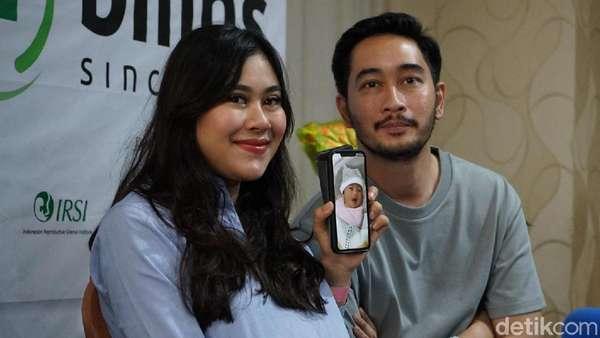 Senyum Bahagia Syahnaz Sadiqah-Jeje Govinda Dikaruniai Anak Kembar