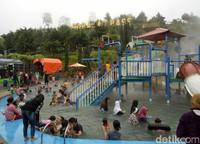 Darajat Pass adalah objek wisata favorit bagi warga Garut dan sekitarnya. Objek wisata ini berada di Kecamatan Pasirwangi, sekitar 40 kilometer arah barat dari pusat kota Garut. (Hakim Ghani/detikcom)