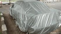 Melihat Lebih Dekat Mobil BMW yang Terparkir 4 Tahun di Bandara Ngurah Rai