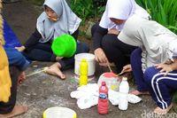 Tutup Masa Liburan, Puluhan Anak di Cianjur Berwisata Ke TPA Sampah