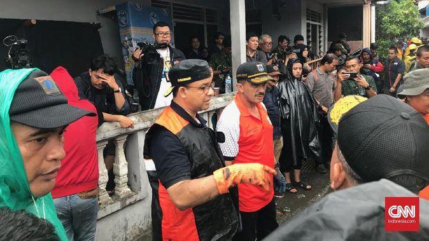 DPRD Minta Anies Hentikan Pencitraan Kerja Bakti Banjir